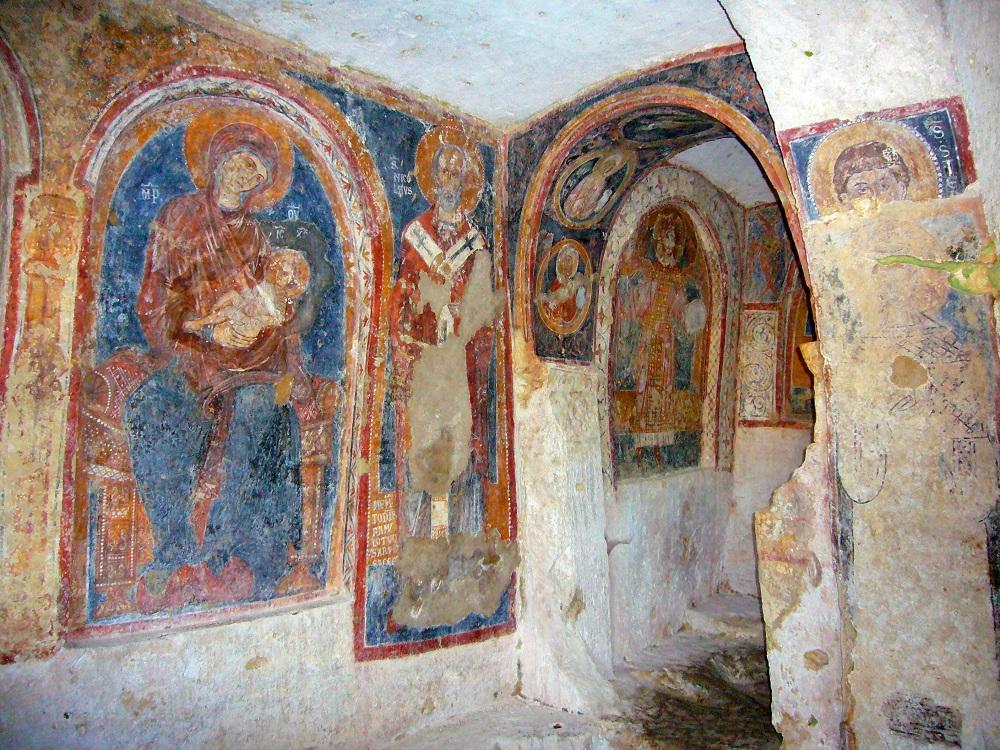 Mottola-Chiesa-Rupestre-di-San-Nicola-