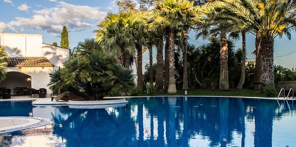 la brunetta piscina