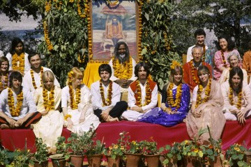 the-beatles_india_11