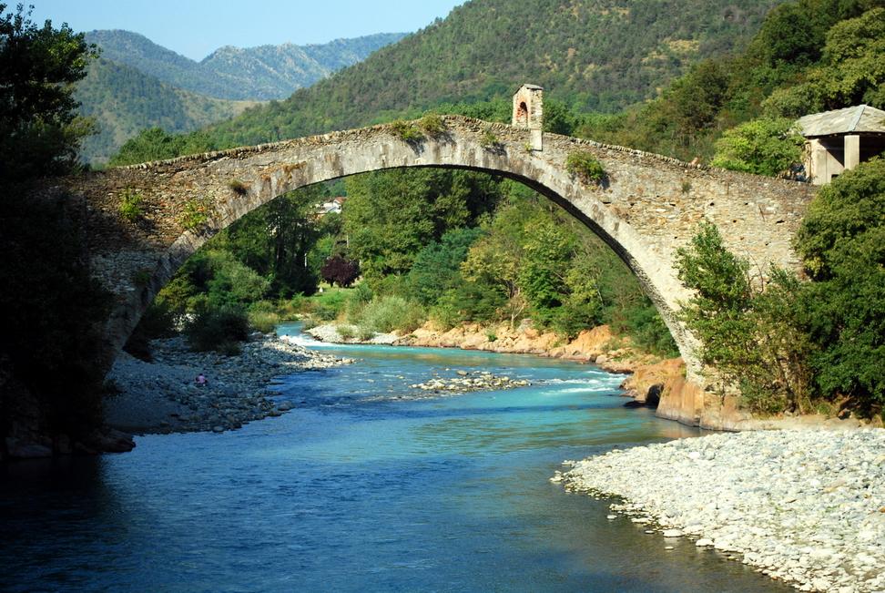 La leggenda del ponte del diavolo the light canvas for Piani di fondazione del ponte