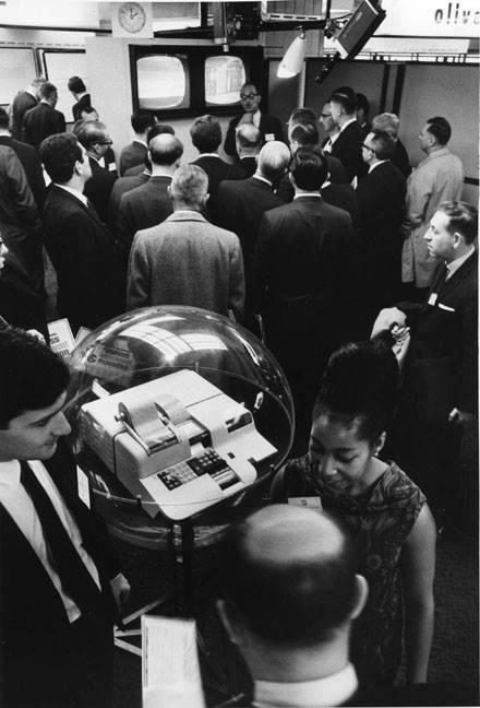 Stand Olivetti al BEMA di New York, alla presentazione della P101