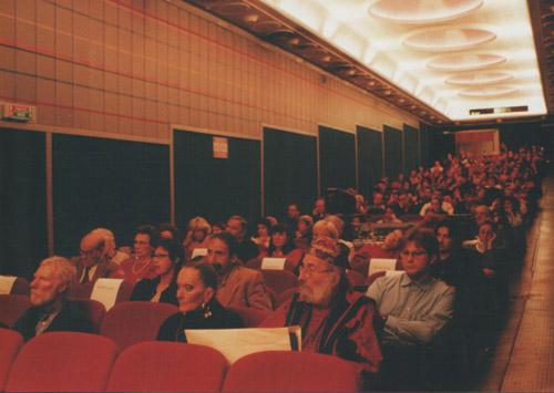 Una foto di qualche anno fa nella sala del Centrale