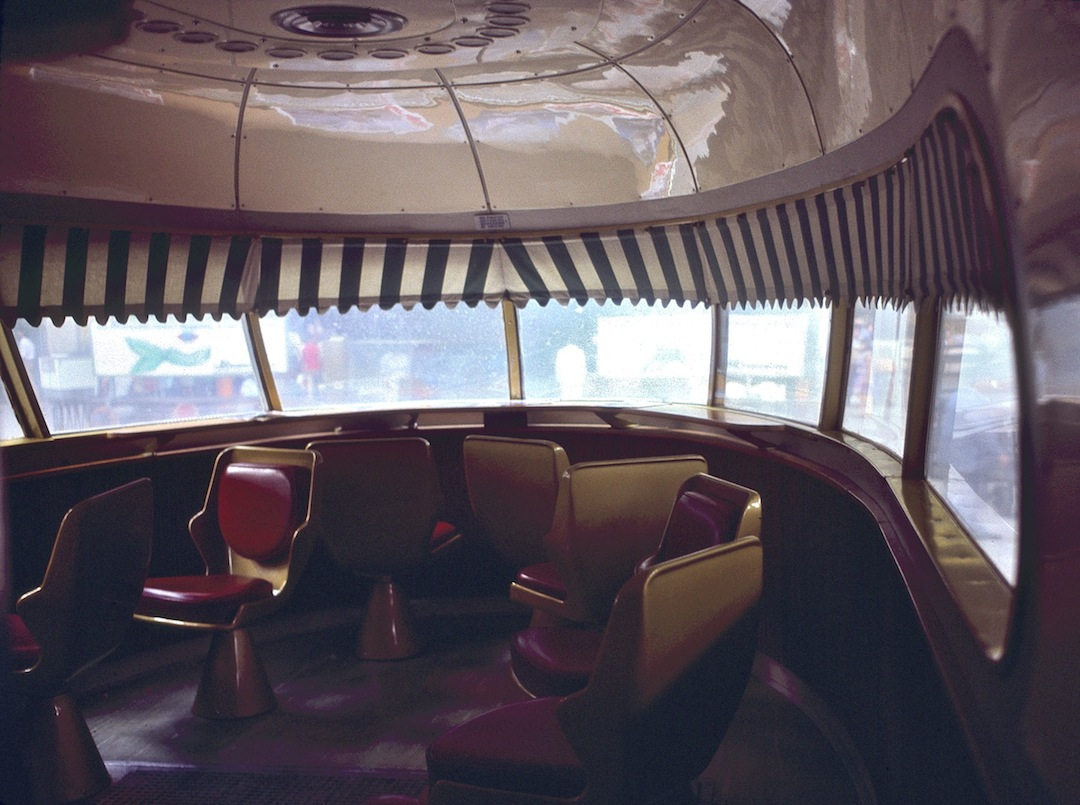 Interior of TEE Settebello lounge, while at Milano Centrale station, 21-9-1983. Photo by S.J. Morgan.