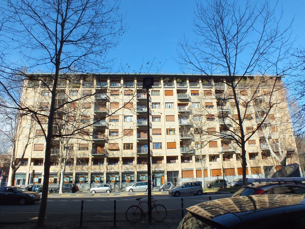 Nell'immagine la palazzina costruita nella zona in cui fino al 1990 si trovava lo stabilimento Bona